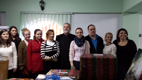 Ropardo Team Blessed with Christmas Carols